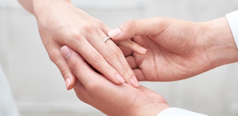 人差し指 指輪 左手